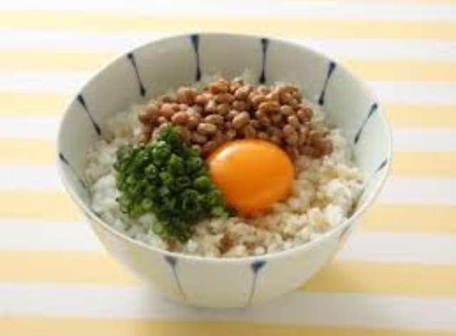 卵かけご飯は白髪や薄毛の原因になる!? 育毛養分を根こそぎ排泄する恐るべき作用