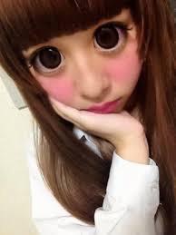 【閲覧注意?】板野友美 巨大な目のプリクラ公開し「人じゃないみたい!」