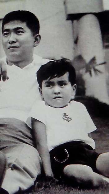 仲里依紗、イケメン父との幼少期写真公開!DNAのすごさが話題に