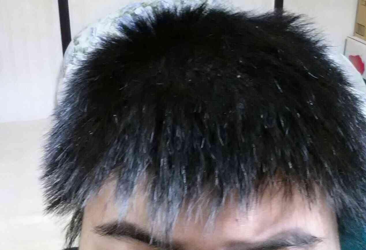 男性の直毛とクセ毛どっちが好みですか?
