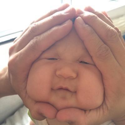"""鈴木おさむ、賛否の""""赤ちゃんおにぎり""""写真公開「結構渋いおにぎりに(笑)」"""