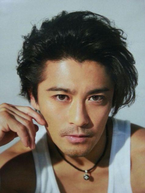 V6岡田准一が格闘技に熱中「腕前はプロとして通用するレベル」 ジャニーズ内でも格闘技が流行中