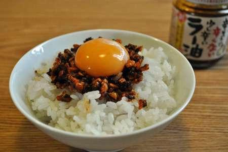 金欠時におすすめ! 卵かけごはんにちょい足しすると激ウマな食材・調味料ランキング