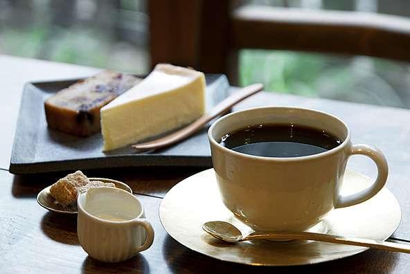 1日にコーヒー何杯飲みますか?
