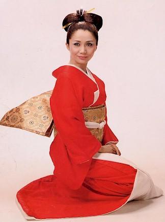 【新春】着物姿の芸能人の画像カモ〜ン♡