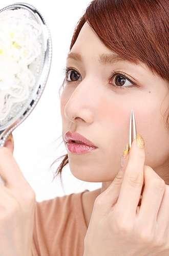 肌の美しさと顔のパーツの美しさではどちらの方が大事?