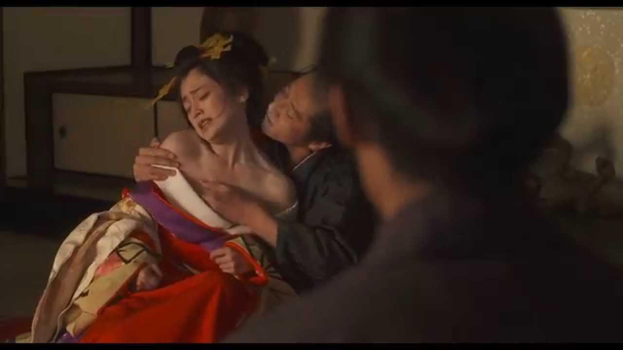 """第2子妊娠発表の安達祐実、髪バッサリで""""人生初""""ショートヘアにイメチェン"""