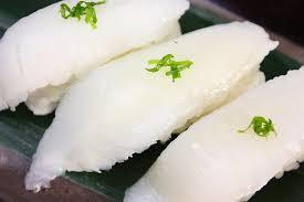 お寿司屋で一番最初に食べるものは?