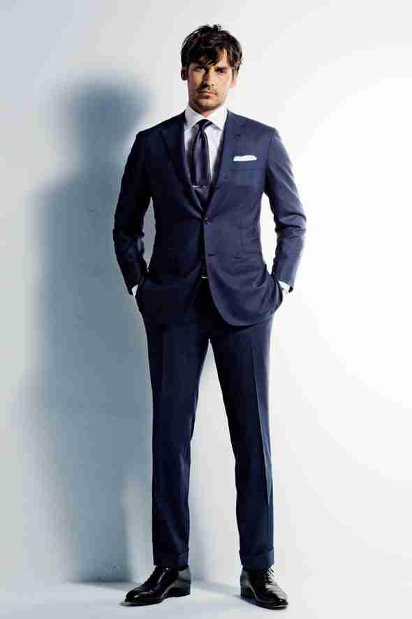 なんと9割以上が好きと回答!女性が男性の「スーツ姿」にときめく理由