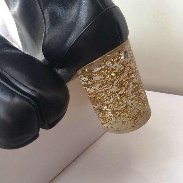 シルバーやゴールドの小物、靴、バッグが好きな方