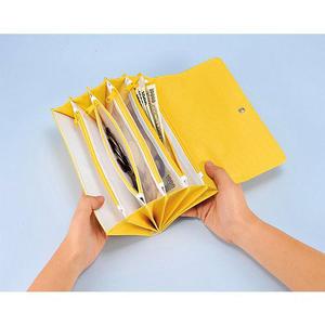 小遣い帳あるいは家計簿をつけているかた。