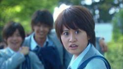 前田敦子とギズモが並ぶと「姉弟みたい」!?