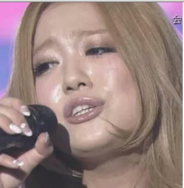 """西野カナ強し""""恋の歌を歌う女性歌手 TOP10""""で1位に"""