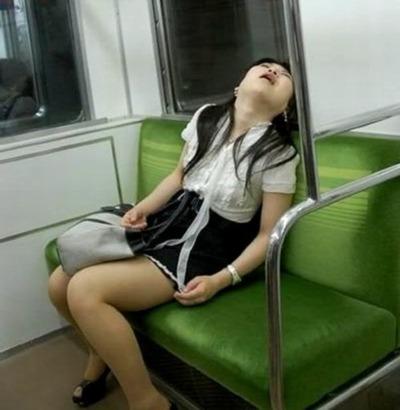 昔は電車の中で何してましたか?