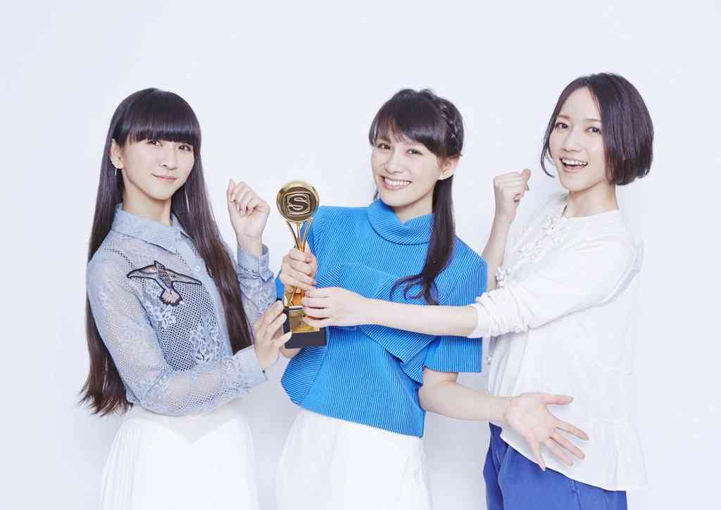 Perfume、新譜『COSMIC EXPLORER』が世界11か国で1位を獲得