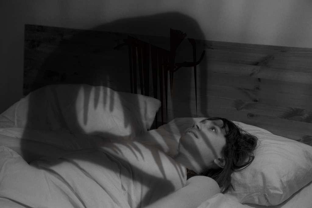 悪夢をみる人