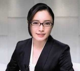 眼鏡姿の女性芸能人の画像