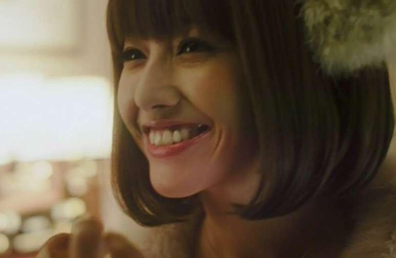 【画像】美人の笑顔を集めて癒やされるトピ