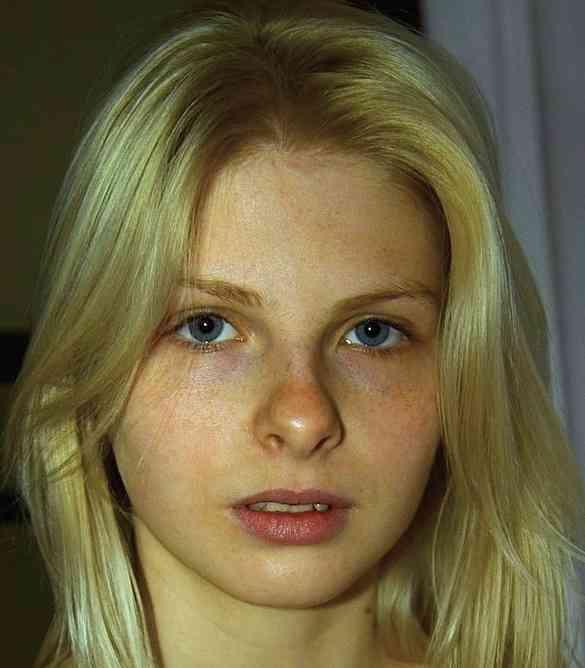 透明感のある女性の画像を貼るトピ
