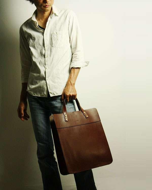 男のワンショルダーバッグは好き?