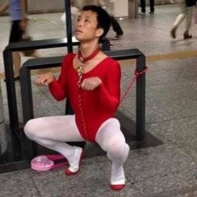 奇抜な服装の人、見た事ありますか?