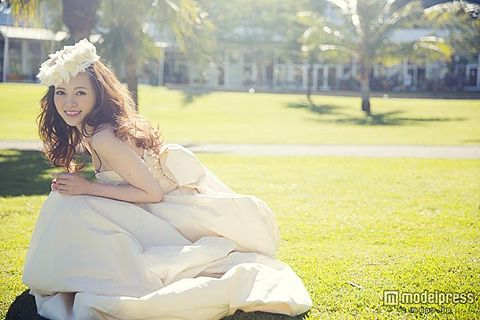 芸能人のウエディングドレス姿を貼るトピ