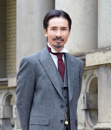 佐藤健、俳優生活10周年で豪華「写真集+DVDブック」発売