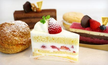 お土産でいただくお菓子、和菓子と洋菓子どちらが嬉しいですか?