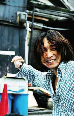 笑いじわが素敵な男性芸能人