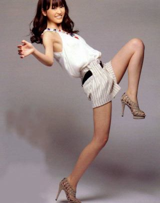 桐谷美玲の太ももに「細い!」、ファンからは痩せすぎを心配する声も。