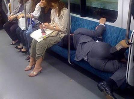 電車の中で寝れますか?