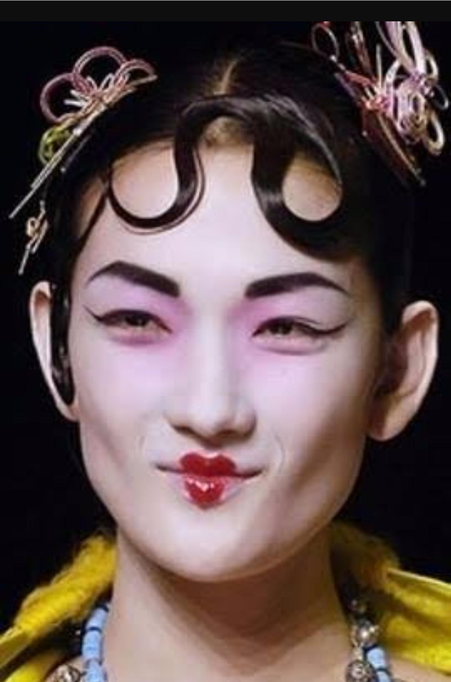 """広瀬すず""""9割すっぴん""""顔を公開 ナチュラルな色気に「女神」「大人っぽい」と反響"""