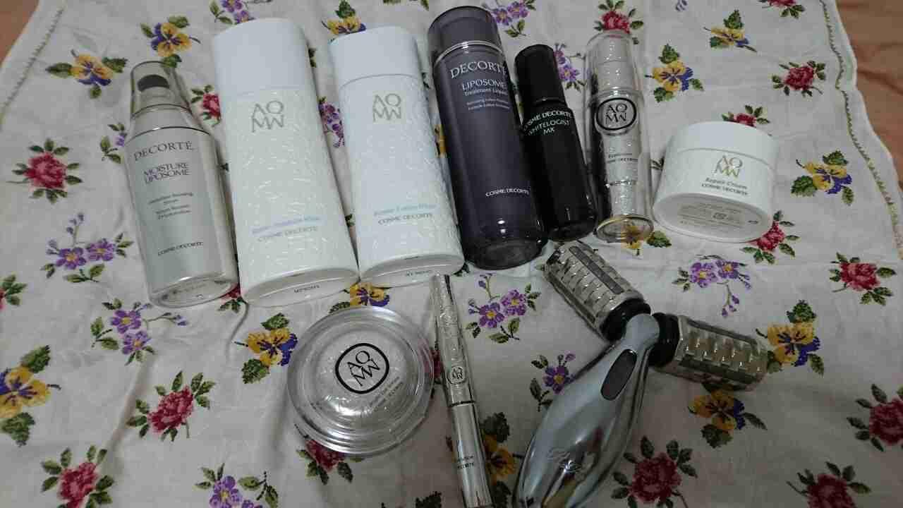 基礎化粧品のレギュラーメンバーを見せてください