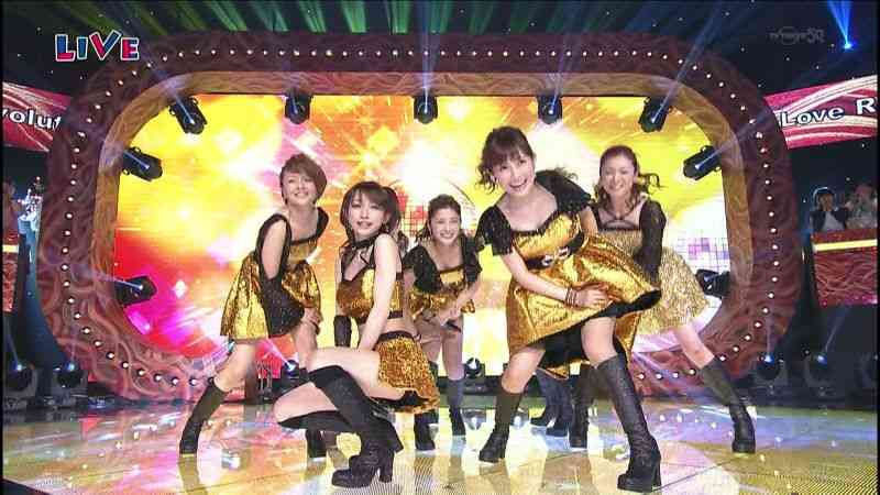 アイドルが歌って踊ってる画像を貼るトピ