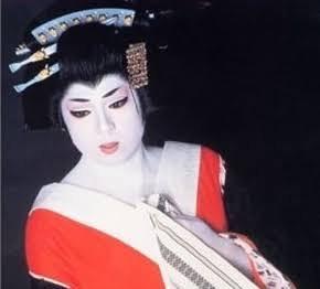 女装した男性芸能人の画像を貼るトピ