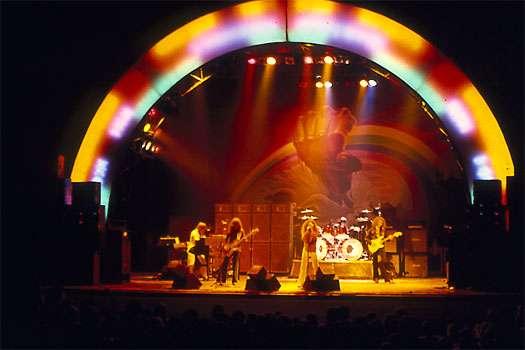 色のつくグループ、バンド、人の名前