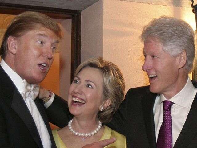 体調不良のヒラリー・クリントン氏、影武者を使用か? SNSで陰謀説広まる