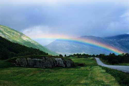 幸せな未来への始まりとなる虹