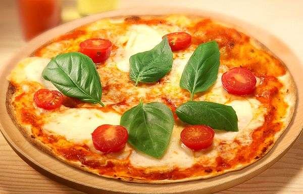 ピザは意外とヘルシー?知らなきゃ損をする食に関する新常識