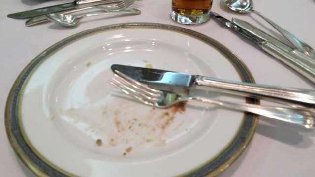 食事のマナーの基本を教えてください。