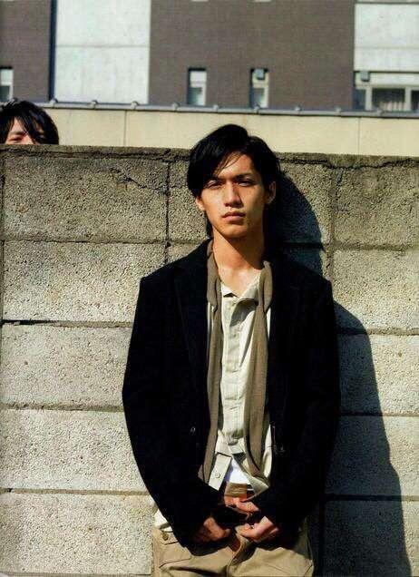 沢村一樹が歌番組に出演、「ジャニーズより顔が小さい」と大反響!