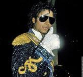 マイケル・ジャクソン長男、奇妙な仮面をつけられていた幼少期や児童性虐待疑惑について率直な思いを語る