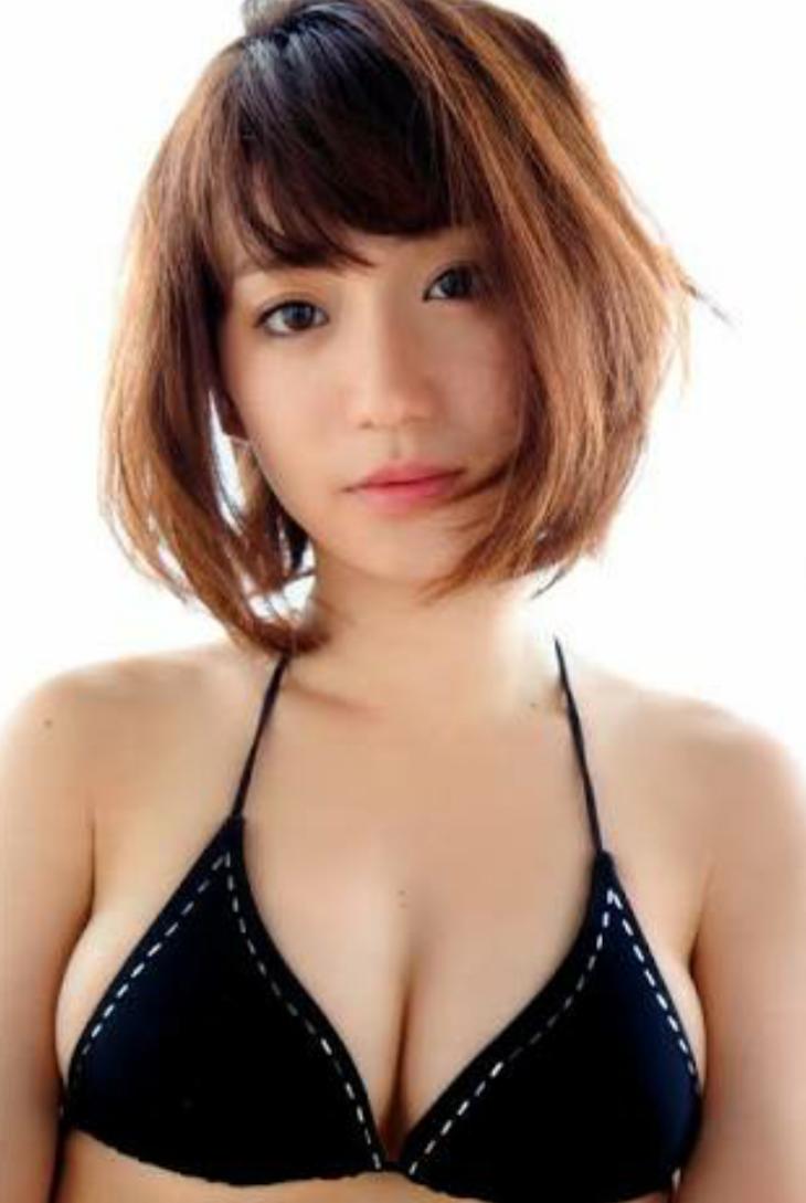 """大島優子""""透けブラ""""大胆衣装で登場 男性共演者陣が興奮&困惑「すっごい見ちゃった」"""