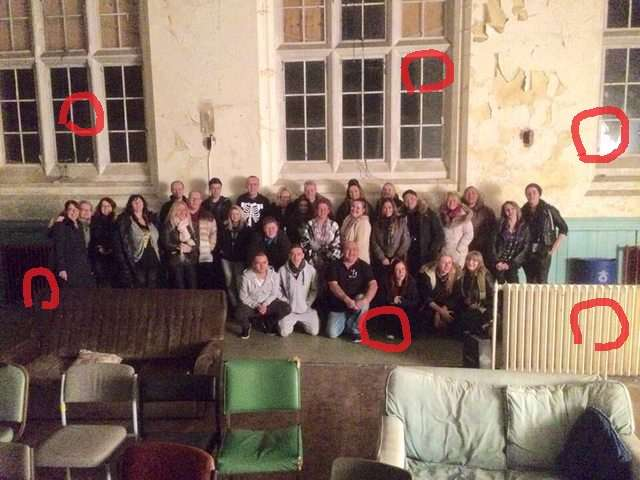 【閲覧注意】写真を撮ると一人多いんだけど…心霊スポットとして名高い『廃墟の孤児院』