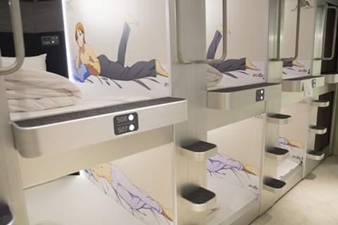 """""""安さ""""だけじゃない アニメや和などの""""コンセプト""""カプセルホテルが話題"""