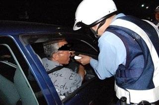 「酒酔い運転と同じくらい罪が重い」自民、ポケモンGO事故で厳罰化検討 運転中のスマホ防止