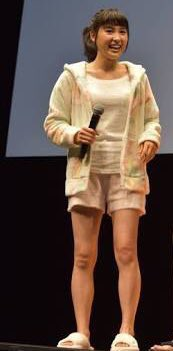 土屋太鳳「史上最高に短い」スカート丈に挑戦 脚線美に絶賛の声