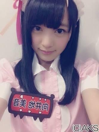 AKB48柏木由紀「全員どすっぴん」プリクラ公開 横山由依&向井地美音と3ショット
