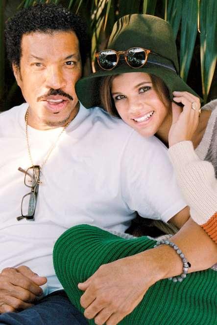 ジャスティン・ビーバーさんとセレーナ・ゴメスさんが結婚へ 米誌報道