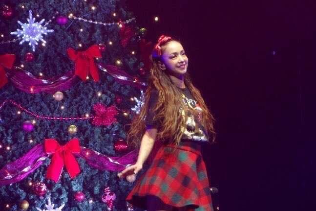 クリスマスツリーと安室奈美恵